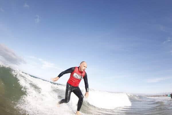 Tucano szörfözik